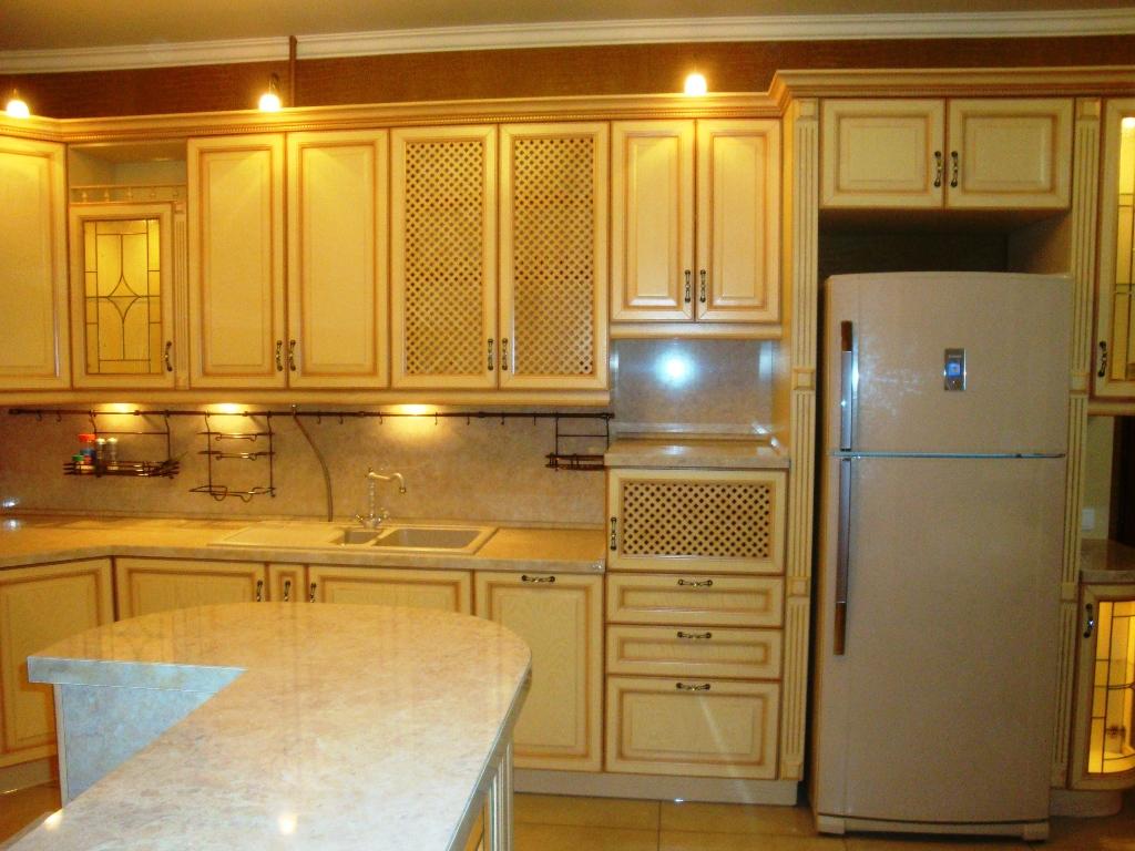 Цвет холодильника для кухни